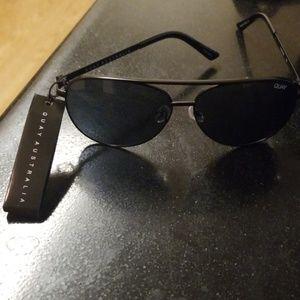 Quay BRAND NEW Vivienne sunglasses